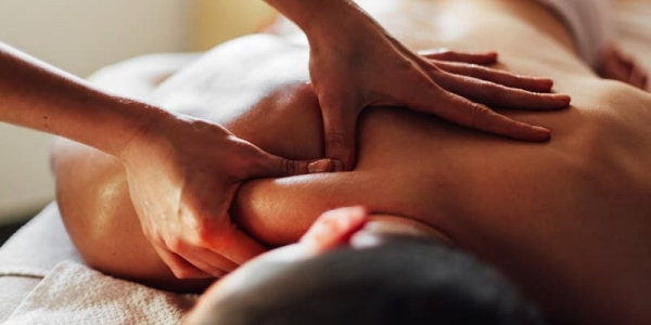Холистичка масажа