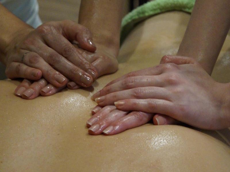 masaza sa cetiri ruke
